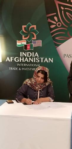 MS.  Kamila Siddiqi Signs MOU with Indian Partners at the 2019 Passage to Prosperity Event.